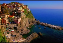 Manarola Crossing